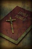 Libro della bibbia santa Immagine Stock