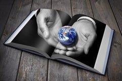 Libro della terra di sostenibilità Fotografie Stock