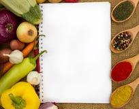 Libro di cucina in bianco per le ricette Immagine Stock