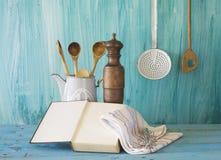 Libro di cucina con lo spazio della copia libera, Immagine Stock