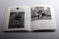 Libro di fotografia di Nick Yapp, Alf Ramsay, capitano di Tottenham Hotspur fotografia stock