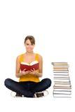 Libro di lettura della donna Fotografie Stock