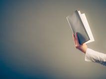 Libro di lettura di apprendimento umano Svago di istruzione Fotografie Stock