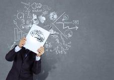 Libro di manifestazione della mano dell'uomo d'affari del cervello del metallo 3d Fotografie Stock