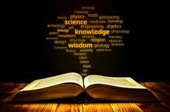 Libro di scienza Immagini Stock Libere da Diritti