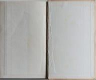 Libro en blanco abierto en la primera página Fotos de archivo