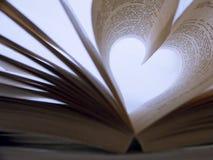 Libro en forma de corazón Fotos de archivo libres de regalías