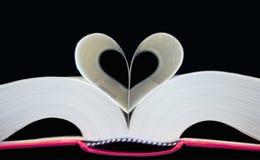Libro a forma di del cuore Immagini Stock