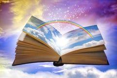 Libro mágico del arco iris foto de archivo