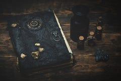Libro m?gico imágenes de archivo libres de regalías
