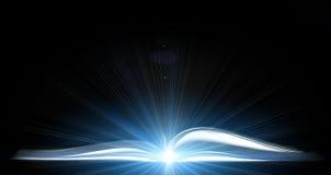 Libro magico aperto con luminoso fotografia stock libera da diritti