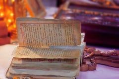 Libro stracciato delle preghiere Fotografia Stock Libera da Diritti
