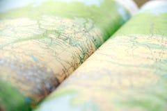 Libro verde artistico aperto dell'atlante Fotografie Stock