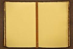 Libro viejo abierto usable como un fondo Foto de archivo libre de regalías