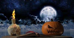 Libro viejo de Halloween del vintage con la vela del cráneo en la noche Foto de archivo libre de regalías