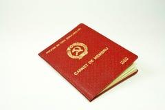 Libro viejo del miembro de partido del comunist Foto de archivo