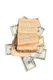 Libro viejo y dinero Foto de archivo