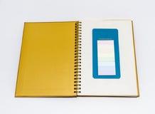 Libro y post-it Fotografía de archivo