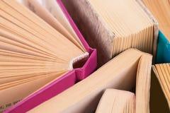 Libros abiertos Imágenes de archivo libres de regalías