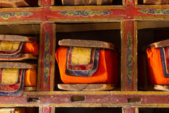 Libros budistas sagrados Fotos de archivo