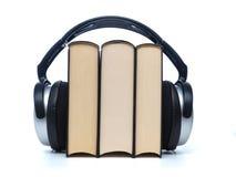 Libros con los auriculares Fotografía de archivo libre de regalías