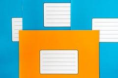 Libros de escuela con las etiquetas en blanco Foto de archivo libre de regalías