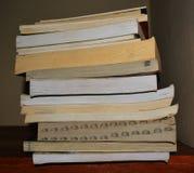 Libros dispuestos Imagen de archivo libre de regalías