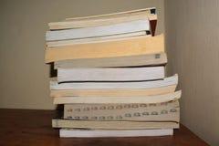Libros dispuestos Fotografía de archivo