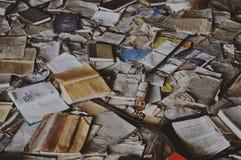 Libros en el palacio de la cultura Energetik, Pripyat Imágenes de archivo libres de regalías