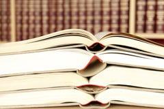 Libros en la biblioteca Imagen de archivo libre de regalías