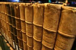 Libros encuadernados de cuero Imagen de archivo libre de regalías