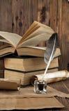 Libros viejos y mapas Foto de archivo libre de regalías