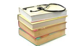Libros y estetoscopio Imagen de archivo libre de regalías