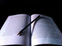 Libros y lápices Imágenes de archivo libres de regalías