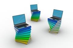 Libros y ordenador portátil Imagen de archivo libre de regalías