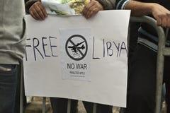 libysk protest för ambassad royaltyfri fotografi