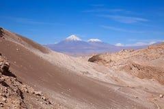 Licanaburvulkaan in de Bergen van de Andes van Chili royalty-vrije stock fotografie