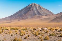 Licancabur vulkan på gränsen mellan Chile och Bolivia Arkivfoto