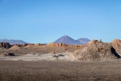 Licancabur vulkansikt från månen och Death Valley - den Atacama öknen, Chile Royaltyfria Foton