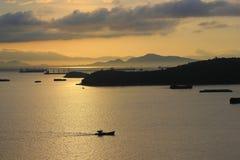 Licença dos pescadores para peixes na manhã fotos de stock royalty free