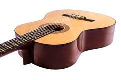Lichaam van de klassieke die gitaarclose-up op wit wordt geïsoleerd Royalty-vrije Stock Foto's