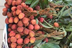 Lichi maduro en el mercado Foto de archivo libre de regalías