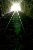 Licht aan het eind van tunnel Stock Foto