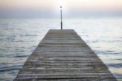 Licht auf dem Dock Stockbilder