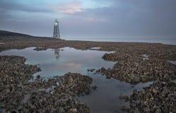 Licht baken met bezinning in Westerschelde dichtbij Griete, zeeuws-Vlaanderen, Zeeland, Nederland stock afbeelding