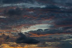 Licht bei Sonnenuntergang auf cloudscape lizenzfreies stockbild