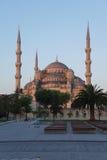 Licht des frühen Morgens auf Sultan Ahmet Camii Lizenzfreie Stockbilder