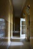 Licht door open deur Stock Afbeelding
