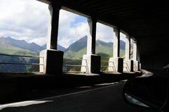 Licht durch den Tunnel Lizenzfreies Stockbild