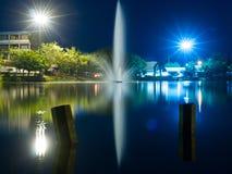 Licht en bezinning over het water Royalty-vrije Stock Foto's